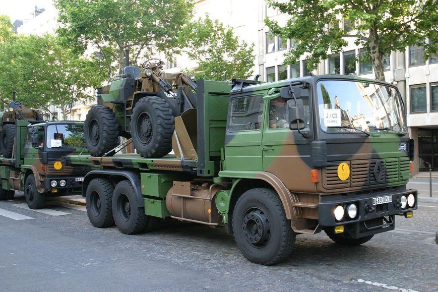 camion porte engins