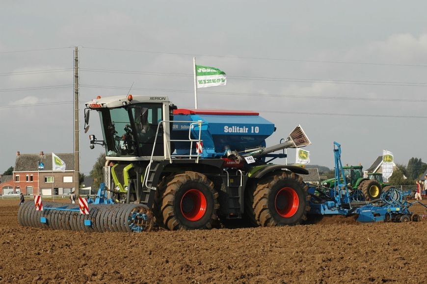 tracteur agricole claas neuf
