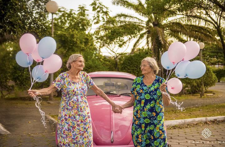 05 - Dvojčata oslavila svých 100 let jako za mlada
