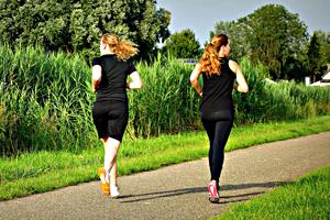 jogging 1509003 1280 - Jak může běhání zlepšit vaše zdraví? Zásadně!