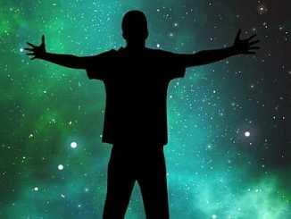 297da31fe2844c6db44727fa41bfc066 - Lidé přišli odněkud z vesmíru, zjišťuje expert