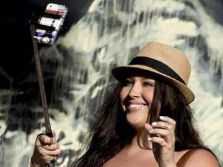 2354587f020f0c44ad6f76053d48a3f9 - Pořizování selfie vede k narcismu a závislosti