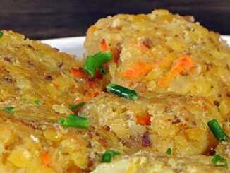 Rychlý a zdravý oběd bez masa: Karbanátky z červené čočky.