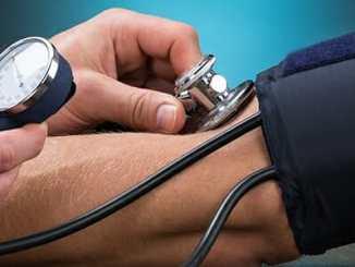 Jak snížit krevní tlak bez léků přírodní cestou.