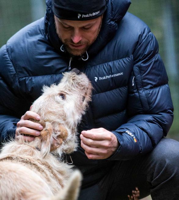 dog Arthur Mikael Lindnord res - Švédský závodník našel v Ekvádoru přítele jménem Artur