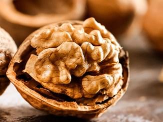 Ořechy podporují hubnutí a snižují cholesterol.
