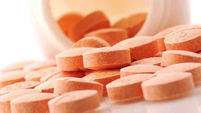 Syntetický vitamin C způsobuje kvasinkové infekce. Proč?