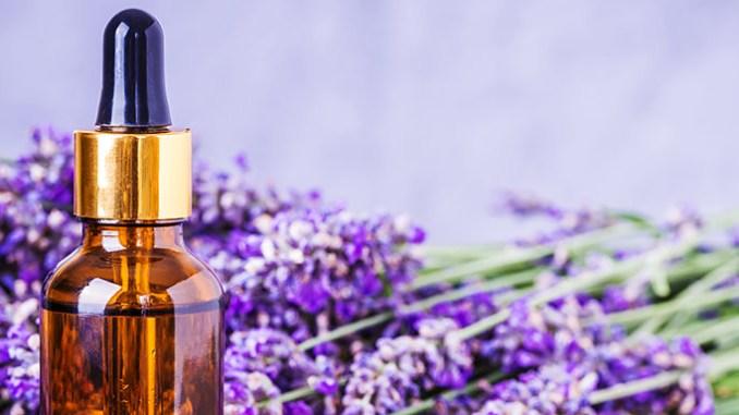 Esenciální oleje, které pomohou při sezónních alergiích.