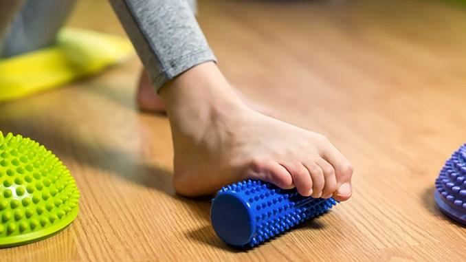 Ploché nohy mohou způsobit artrózu kloubů.