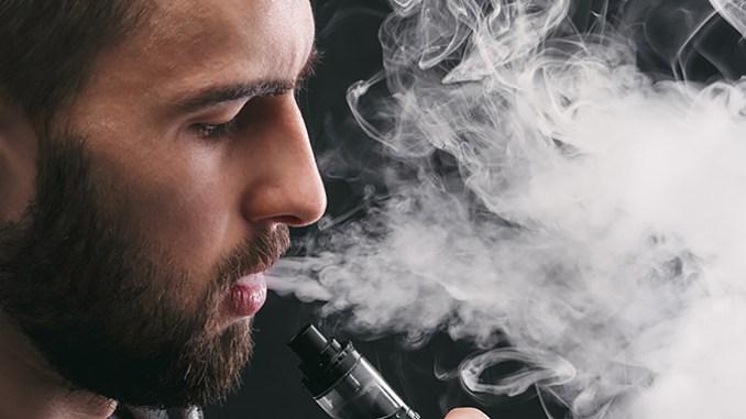 Elektronické cigarety způsobují poškození plic, kóma i smrt.