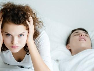 Oddělené ložnice mohou pomoci spánku i vztahu.