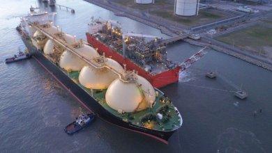 Photo of YPF realiza primer envío comercial de GNL desde nueva instalación flotante