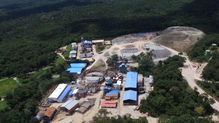 Photo of Empresa minera denuncia avasallamiento de  ex trabajadores
