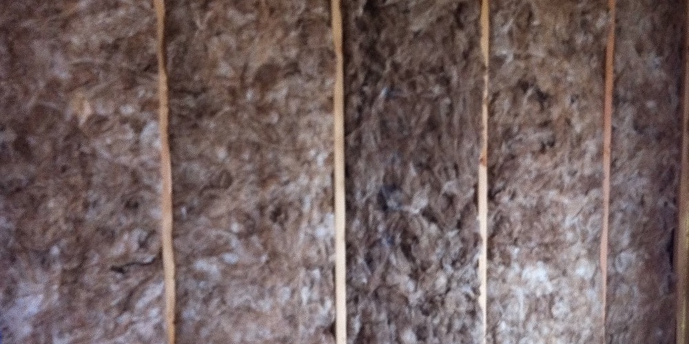 Fiberglass Batts And Wood Studs - Layers And Pathways Of Heat Flow
