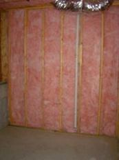 Building Envelope With Fiberglass Batt Insulation But No Air Barrier Here