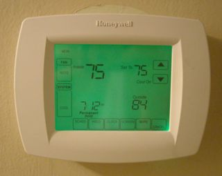 """Setting the thermostat to the fan """"on"""" position"""