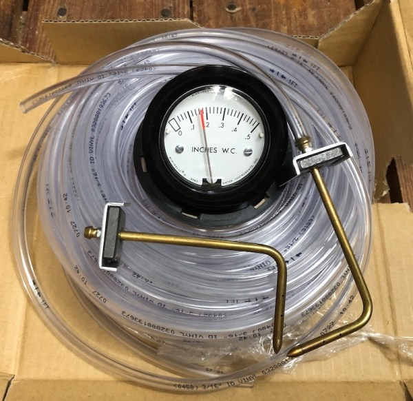 Dwyer Minihelic pressure gauge with static pressure probes and vinyl tubing
