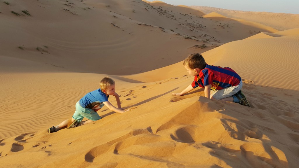 Leg på Sanddune i 1000 Nights Camp i Wahiba Sands, Oman