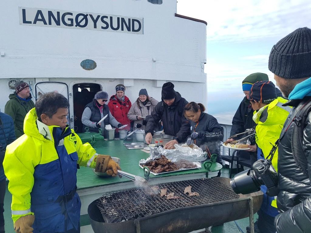 Sejltur_Svalbard_Grill2