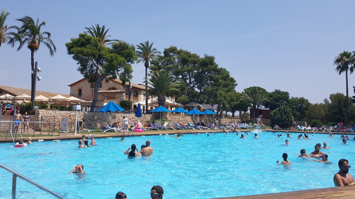 Barcelona_Camping_pool