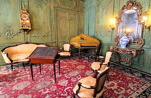 o sortir. Black Bedroom Furniture Sets. Home Design Ideas