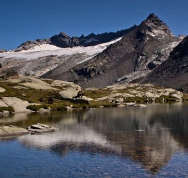 Lac-Paréis-Lanslevillard-vacances-en-famille-à-la-montagne