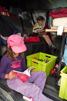 organisation-fourgon-aménagé-pour-voyage-avec-enfant