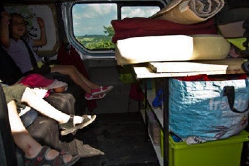 organisation-fourgon-aménagé-pour-voyage-avec-enfants