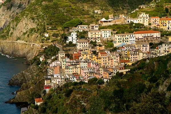 village-des-Cinque-Terre-Italie-en-famille