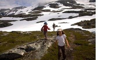 randonnée-famille-norvège-enfant-glacier
