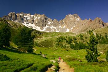 randonnée-lac-sainte-anne-enfant-famille-queyras-alpes-marche
