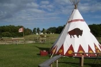 hébergement-insolite-famille-enfant-tipi-ranch