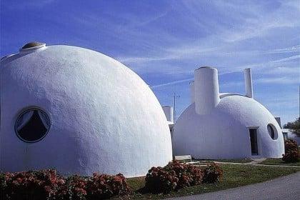 hébergement insolite famille enfants maison futuriste