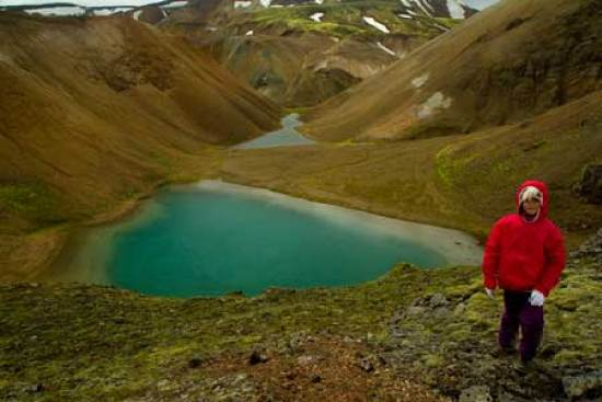 Landmannalaugar lac -enfant-randonneur-islande