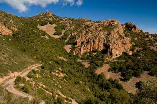 massif-esterel-mont-vinaigre sentier de-randonnée-