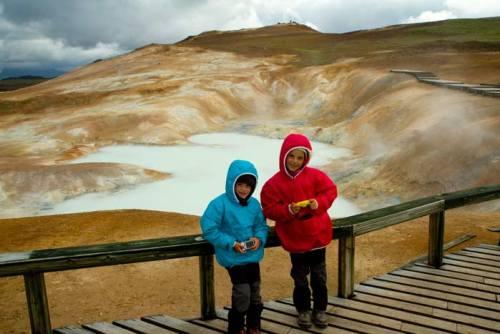 islande solfatare voyage enfant