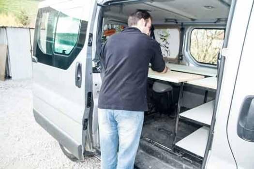 fourgon-trafic-aménagé-en-camping-car-
