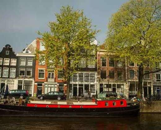 canal-péniche-amsterdam