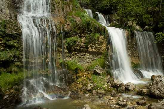 cascade-de-la-doriaz-bauges