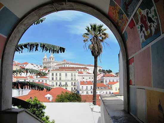 alfama-lisbonne portugal