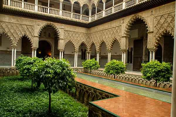 patio-Alcazar-del-rey-Séville-Andalousie