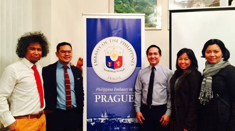 Edwin Dela Cruz Lectures on Mental Health Before Audience in Prague