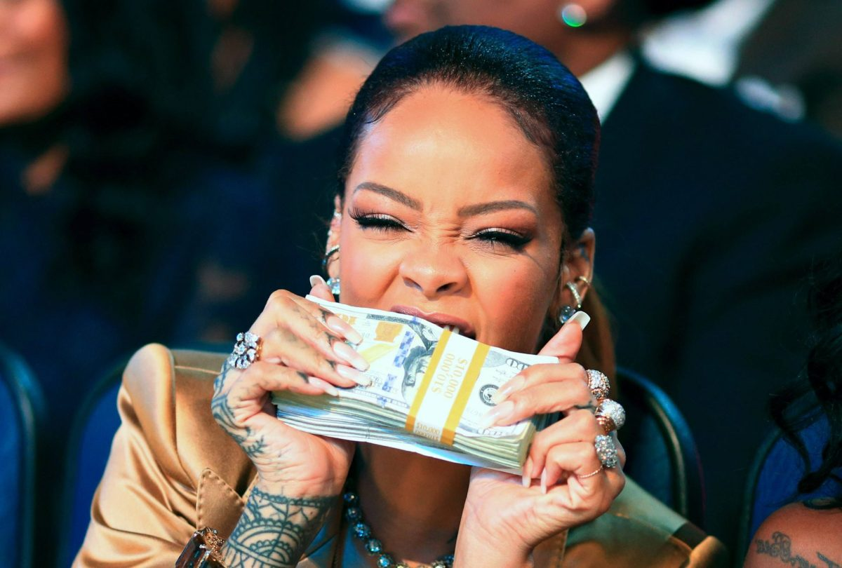 5 jobs for Rihanna (If she wasn't a superstar)