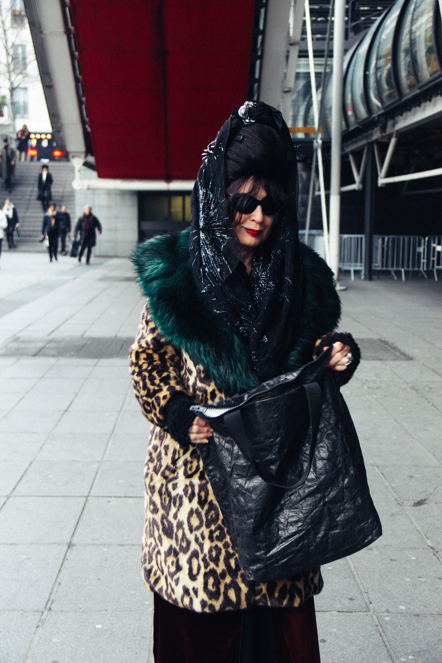 28 street looks from Paris couture week: Diane Pernet