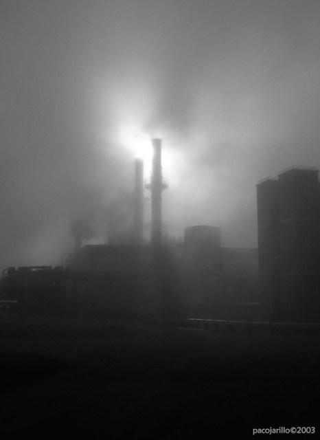 Niebla en la fabrica