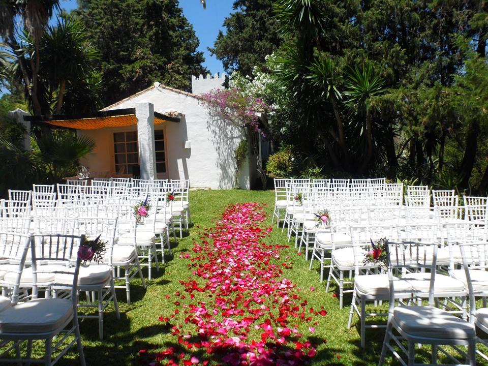 Garden ceremony in Spain