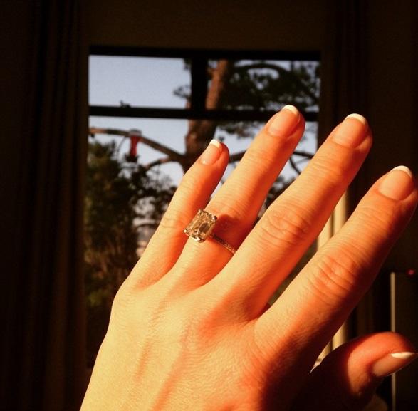 Ali Larter S 5 Carat Emerald Cut Diamond Ring