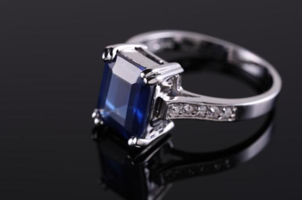 161449-849x565r1-sapphire-engagement-ring