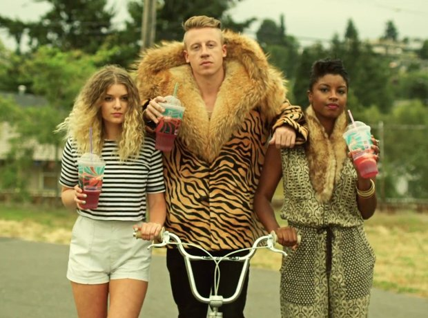 macklemore---thrift-shop-1358436394-view-2