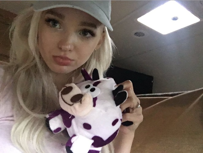 Credit: Dove Cameron/Instagram